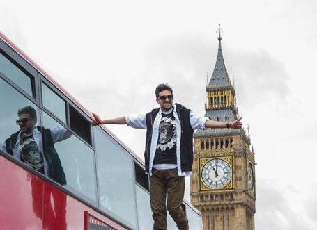 Dynamo _levitates_ beside London bus - but how does he do it?   UK news   guardian.co.uk.jpg
